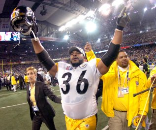 bal-former-steelers-rb-jerome-bettis-six-others-elected-to-pro-football-hall-of-fame-20150131