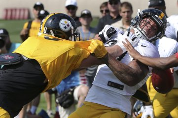 steelers-camp-james-conner-tj-watt-96f6ef79b24049e9