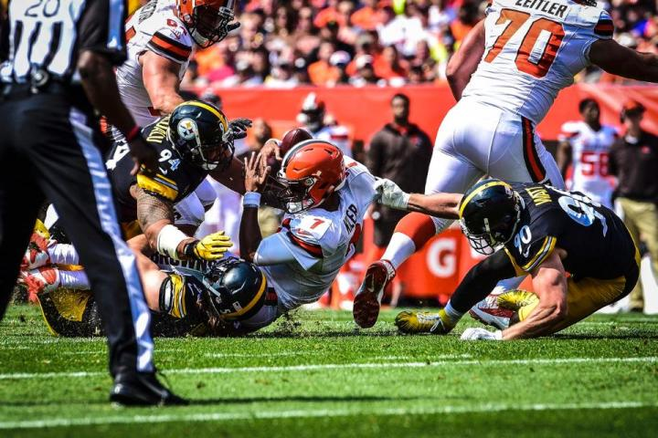 tempAlualu-Watt01_SACK_at_Browns_09102017--nfl_mezz_1280_1024