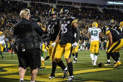 tempGrimble02_TD_CELEBRATION_vs_Packers_11262017--nfl_mezz_1280_1024