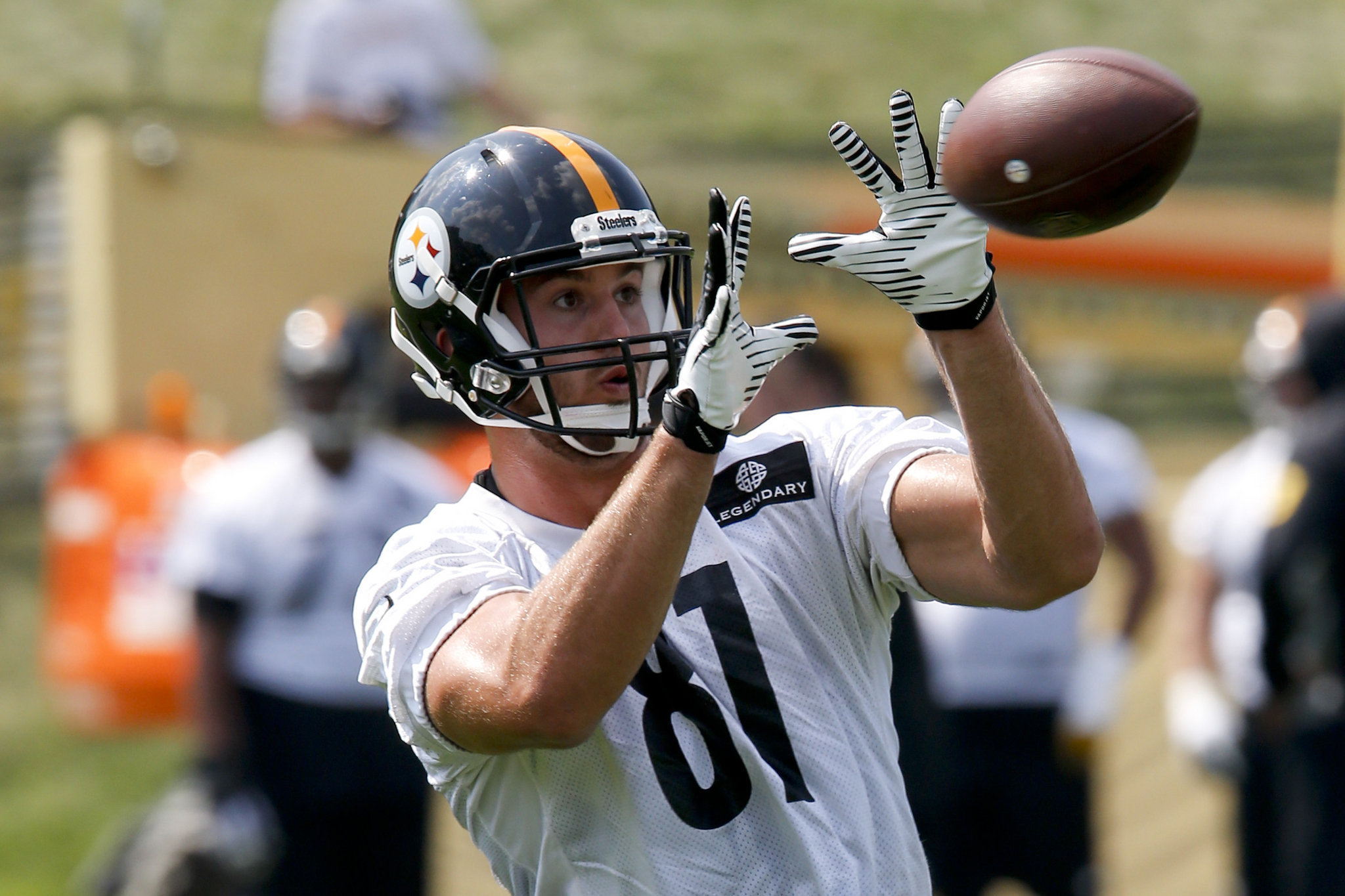 jesse-james-pittsburgh-steelers-training-camp-c01942937fee3bdd